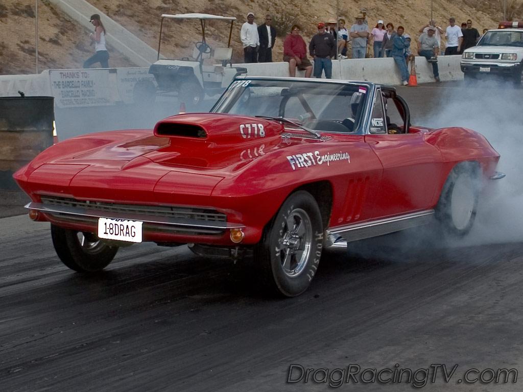 muscle-car-corvette-convertible.jpg