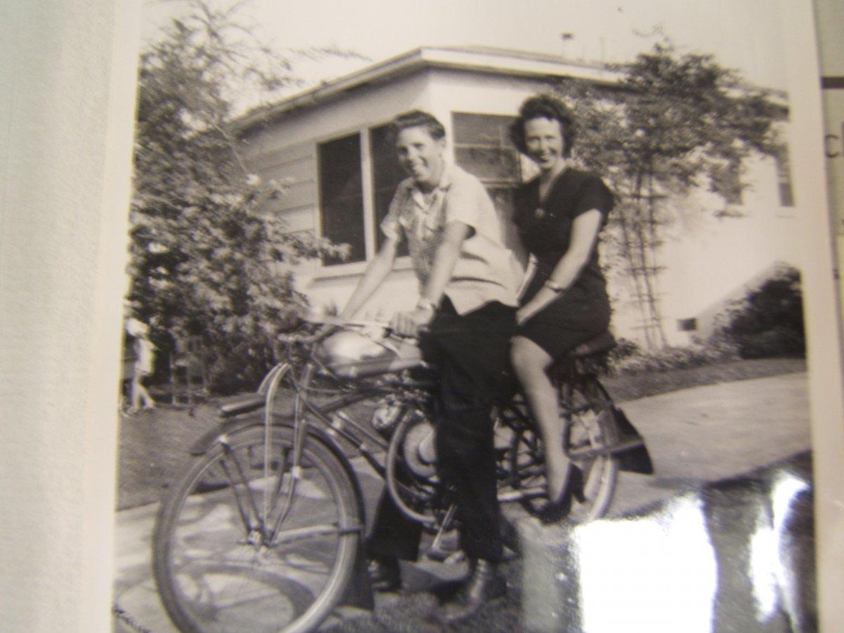 MY WHIZZER 1947.jpg