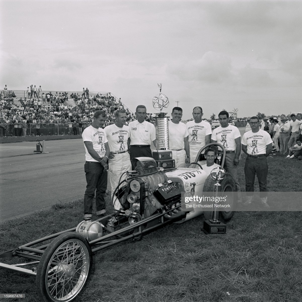 NHRA Indianapolis Nationals - 1962. Mickey Thompson with drive.jpg