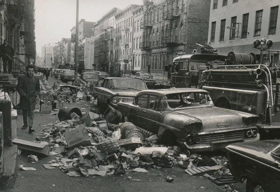 NYC garbage strike, 1968.jpg