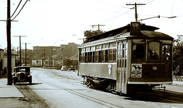 Oak Bay Streetcar 1946.jpg