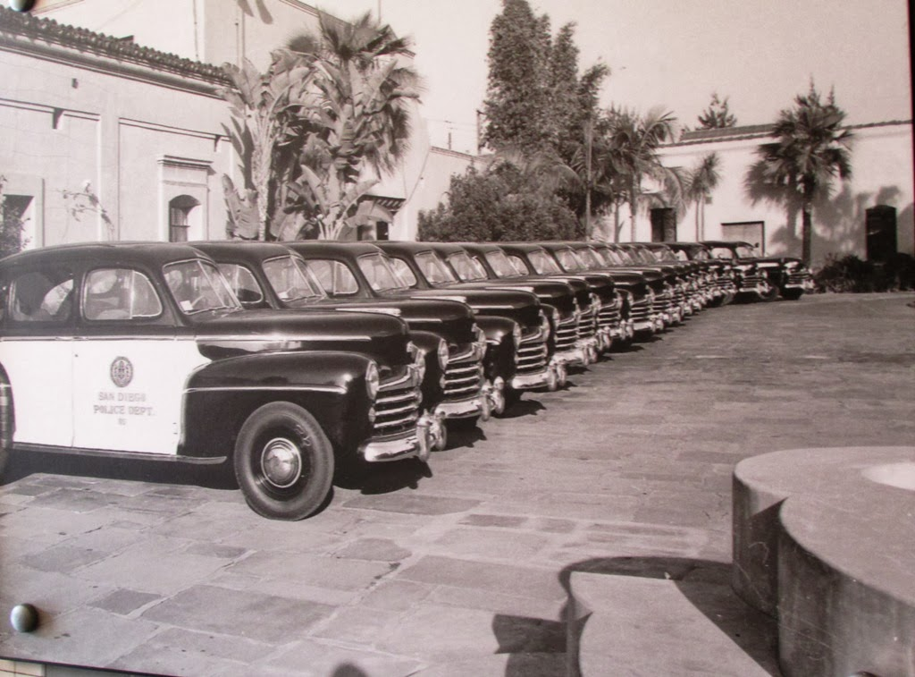 Old+photo+of+police+cars.jpg