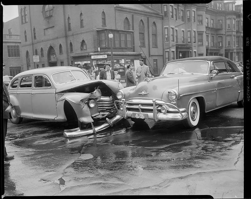 Old Photos of Car Accidents (24).jpg