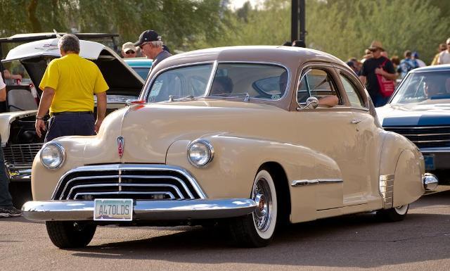 Olds sedanette.jpg