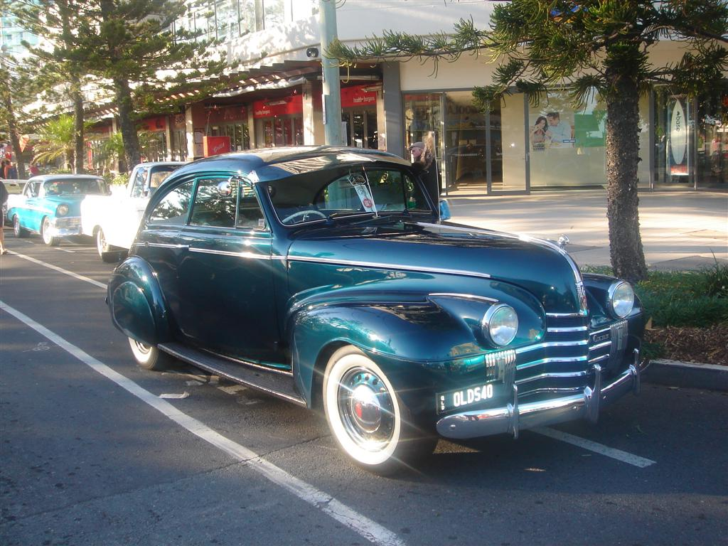 Oldsmobile Sloper 1940 1.jpg