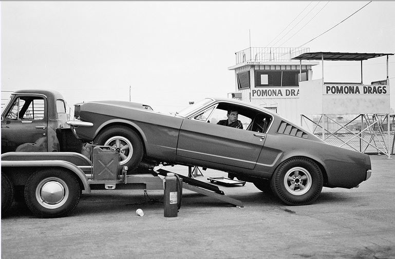 One of the Holman & Moody 1965 427 AFX Mustangs..JPG
