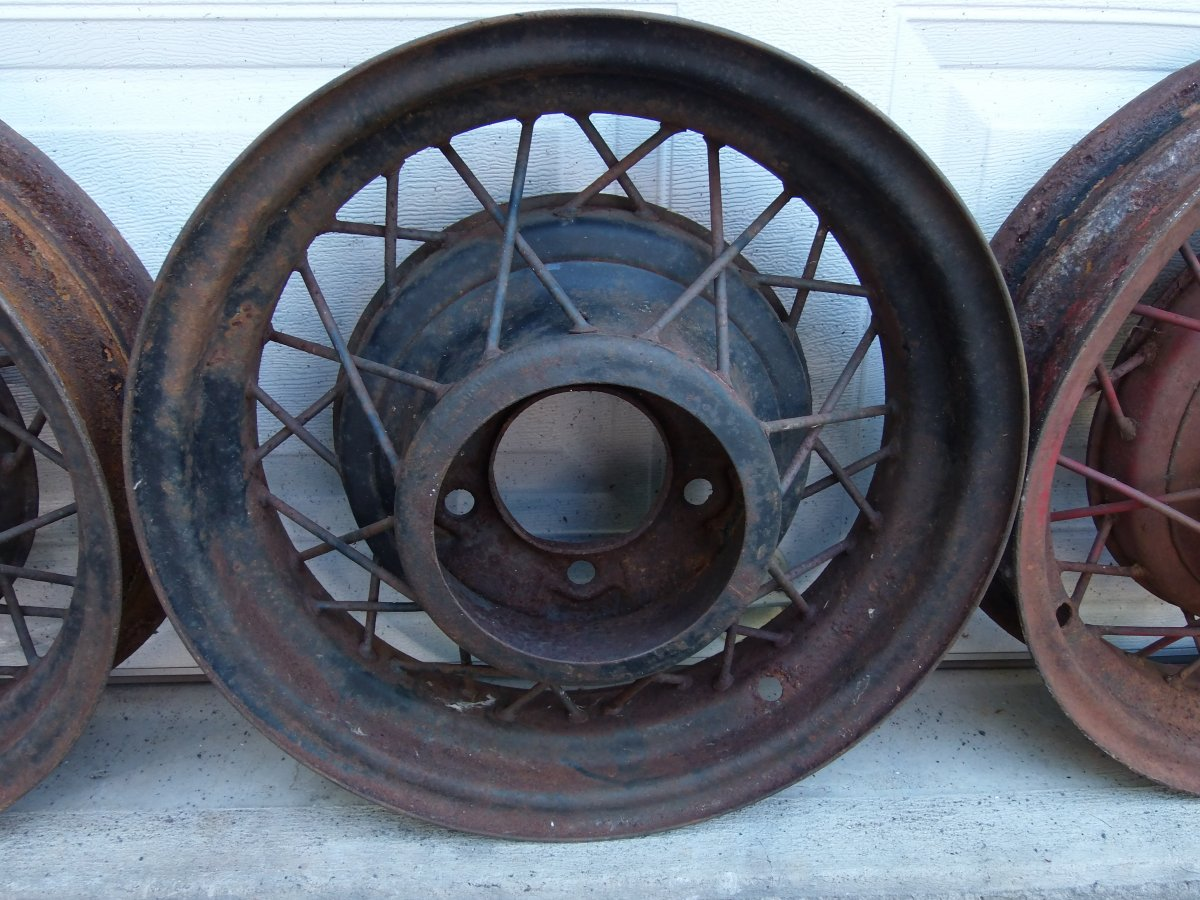 Wire Wheels: Ford Wire Wheels