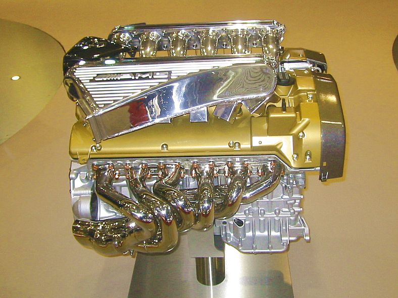 pagani_zonda_f_engine_650hp.jpg