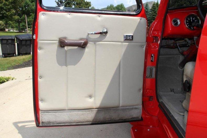 panel-truck-32.jpg
