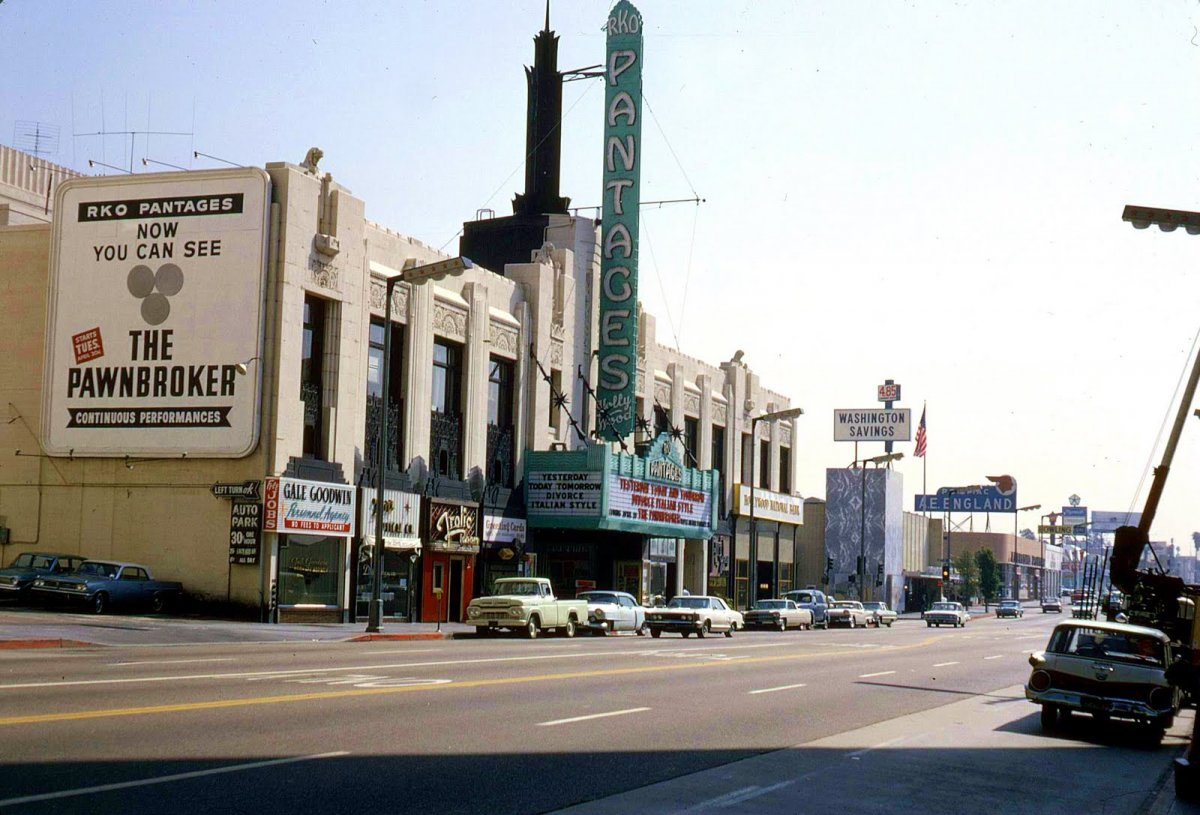 Pantages Theater Hollywood Blvd 1965 Hollywood California.jpg