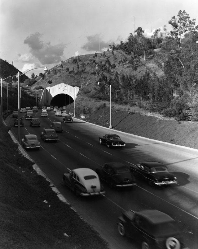pasadena freeway 1955.jpg