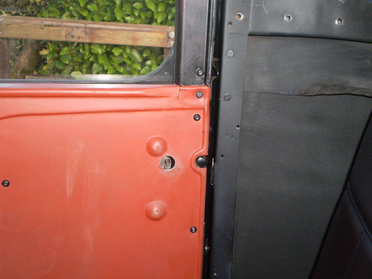 passenger door door panel shots 003.JPG