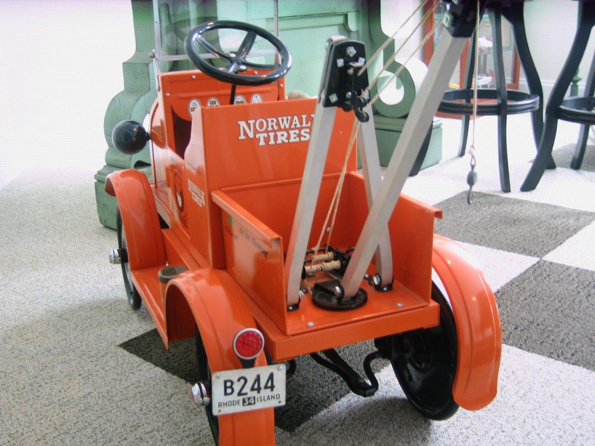 pedal tow truck 2 002.jpg