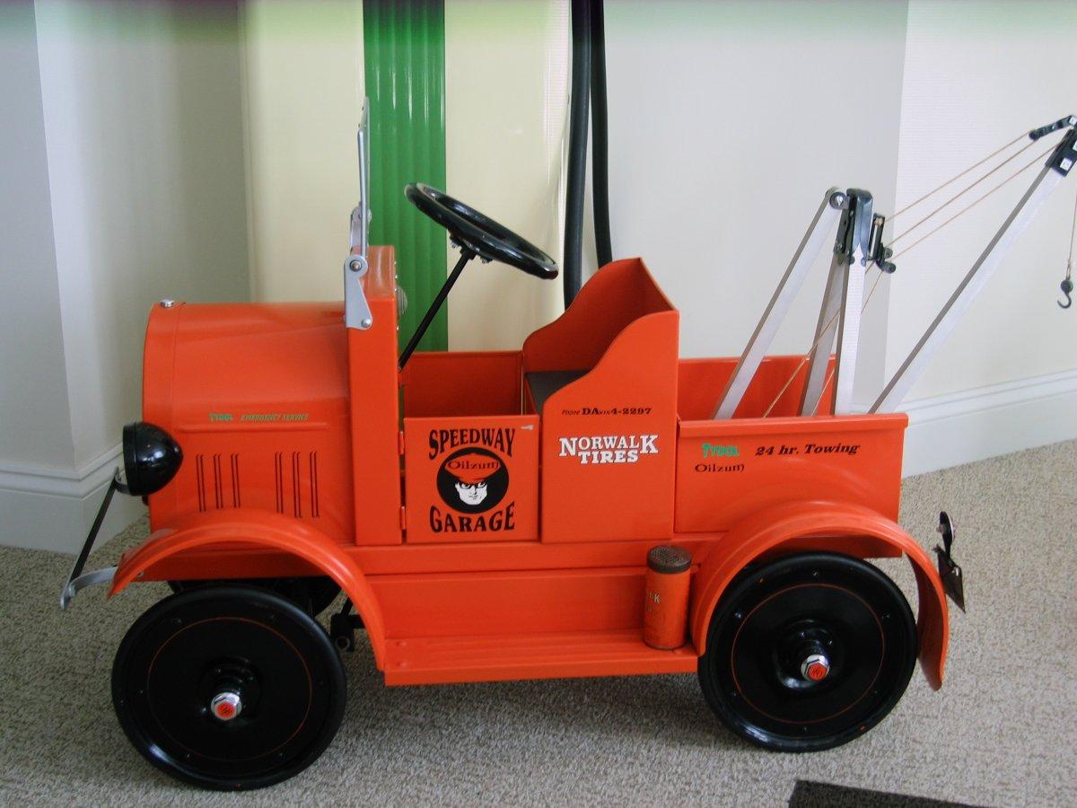 pedal tow truck 2 005.jpg