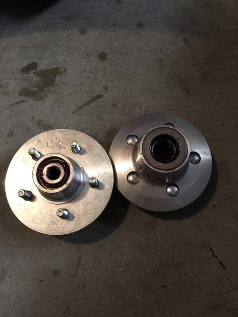 Pete & Jakes Aluminum Hubs For Ford drum Brakes 2.jpg