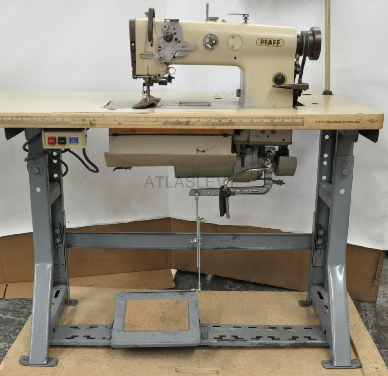 Hot rods upholsterers hows the pfaff 1445 sewing machine the h a m b - Reparation machine a coudre pfaff ...
