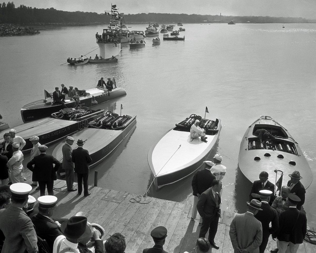 Photo-courtesy-The-Rosenfeld-Collection-Mystic-Seaport.jpg