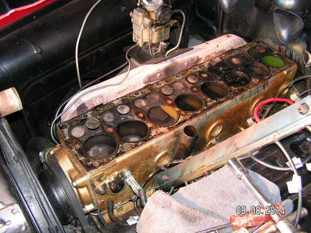 Customs - Straight 8 Pontiac problem diagnosed - only 7 pistons