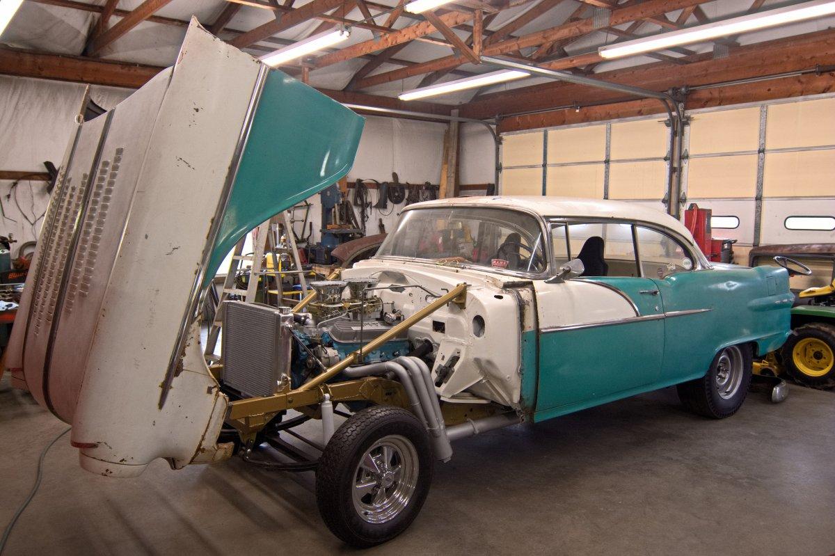 Pontiac Gasser 8.jpg