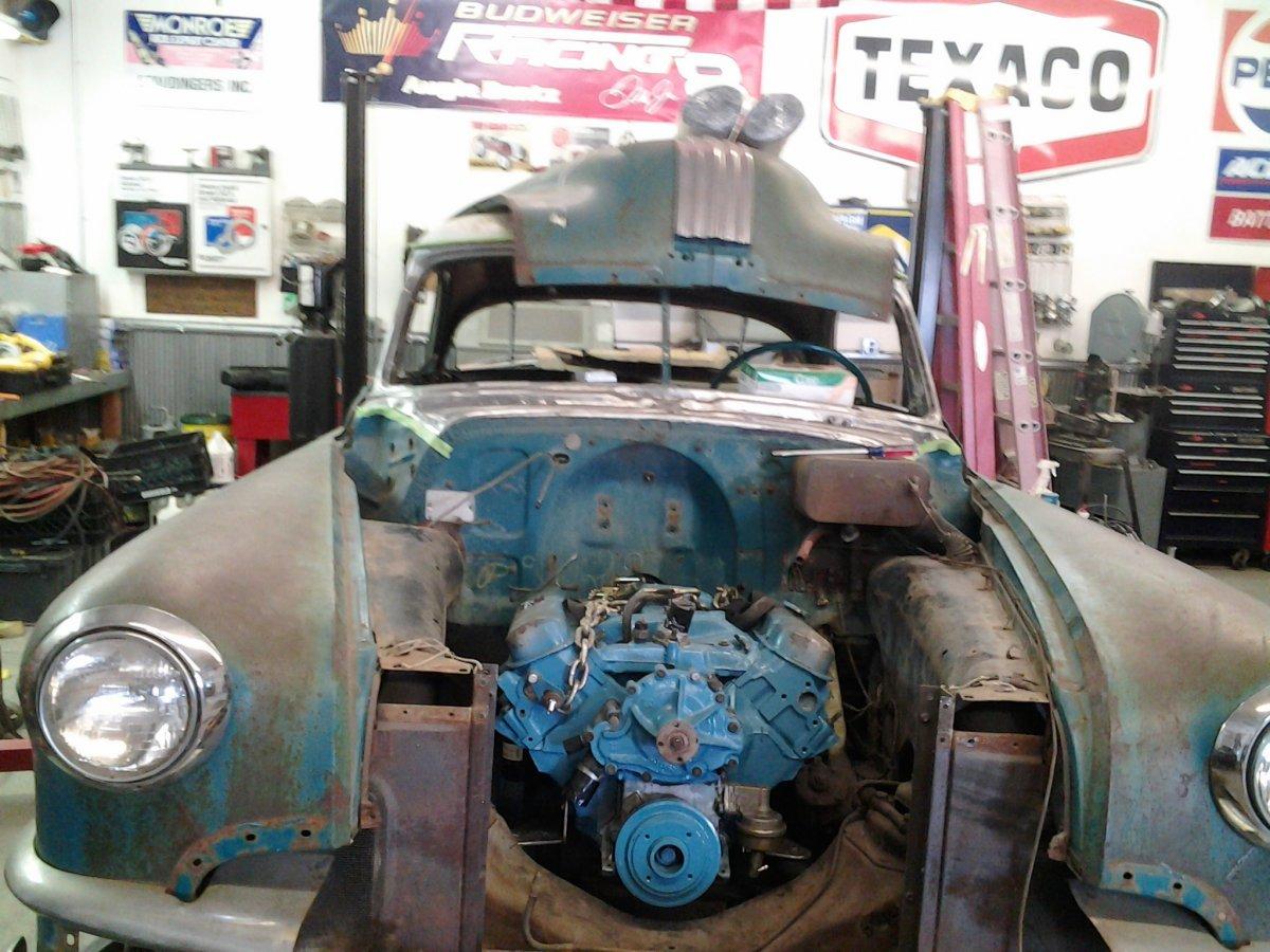 Pontiac V8 first fit.jpg
