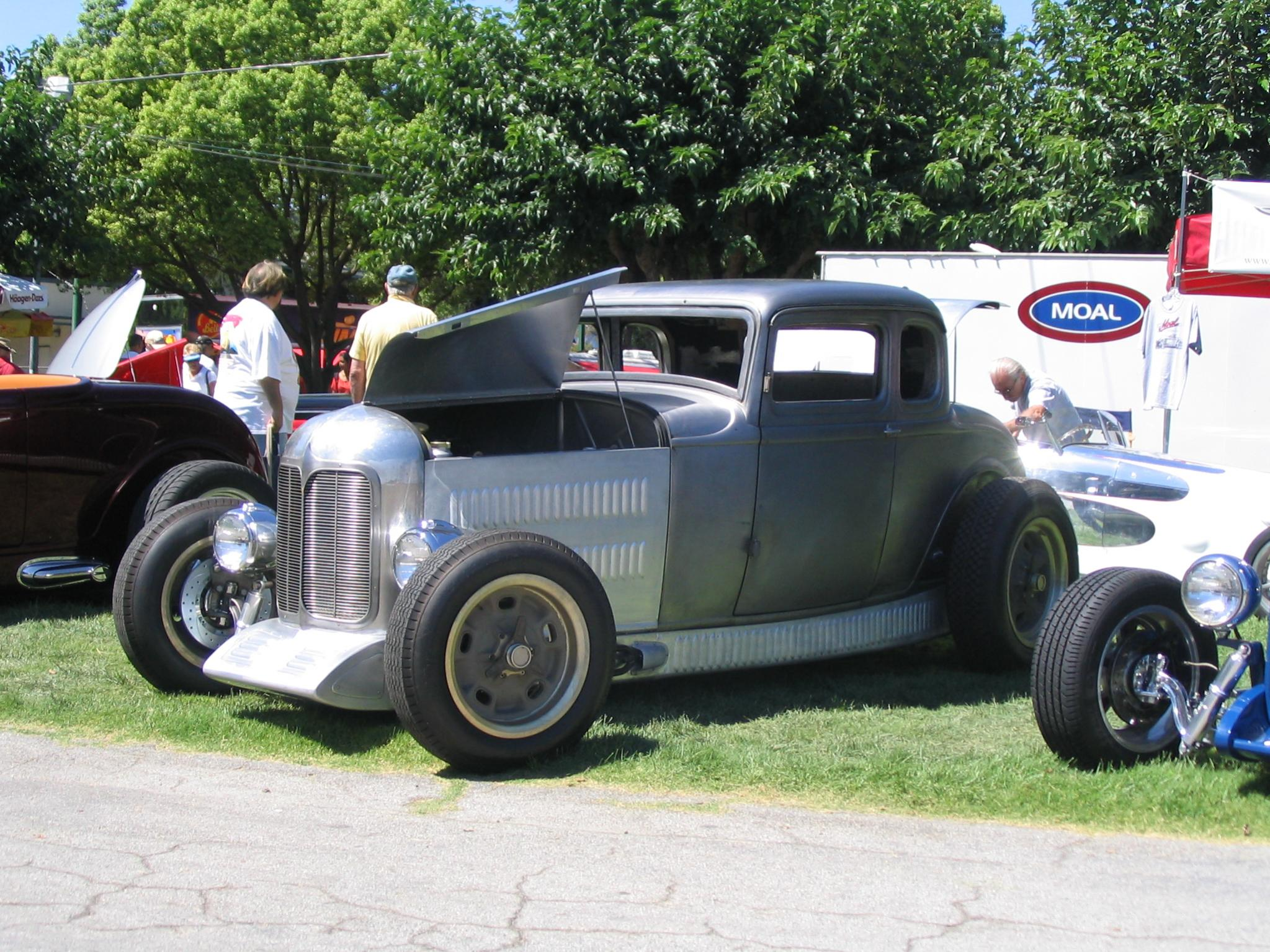 Poteet Roadchamp '32 5wd (by Moal Coachbuilders) GG WCN '06.jpg