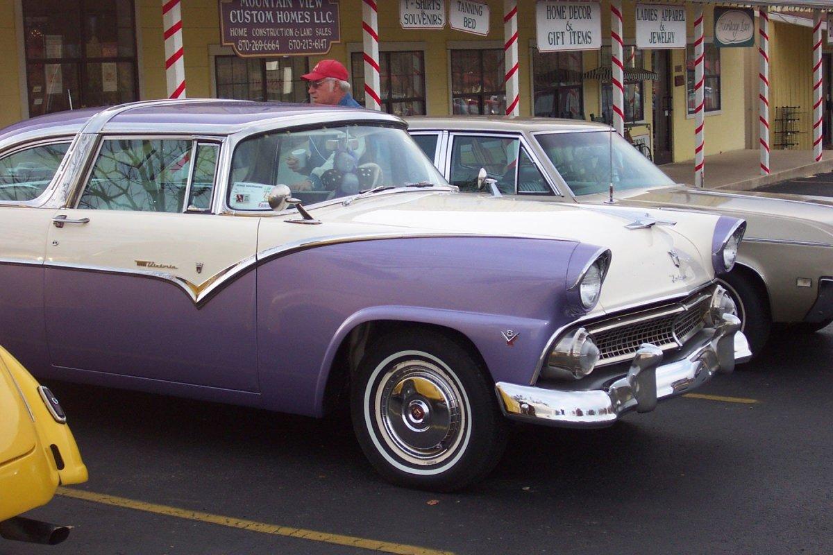 purplecar.jpg
