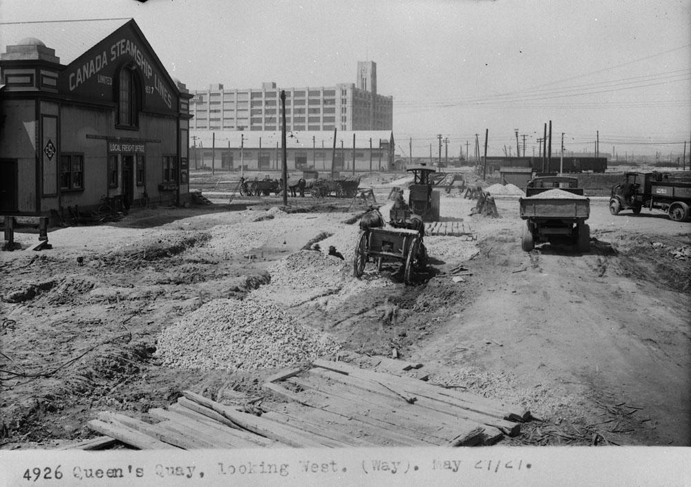 Quai-1 Toronto May 27, 1927.jpg