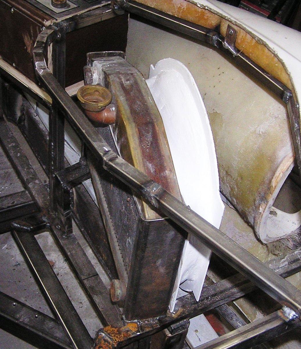 radiator fan shruod 6.JPG