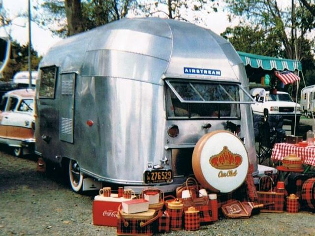 Randy Perez - 1955 Airstream Bubble (4).jpg