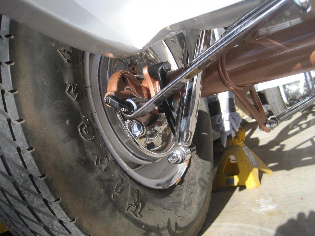 rear shock mounts 001.JPG