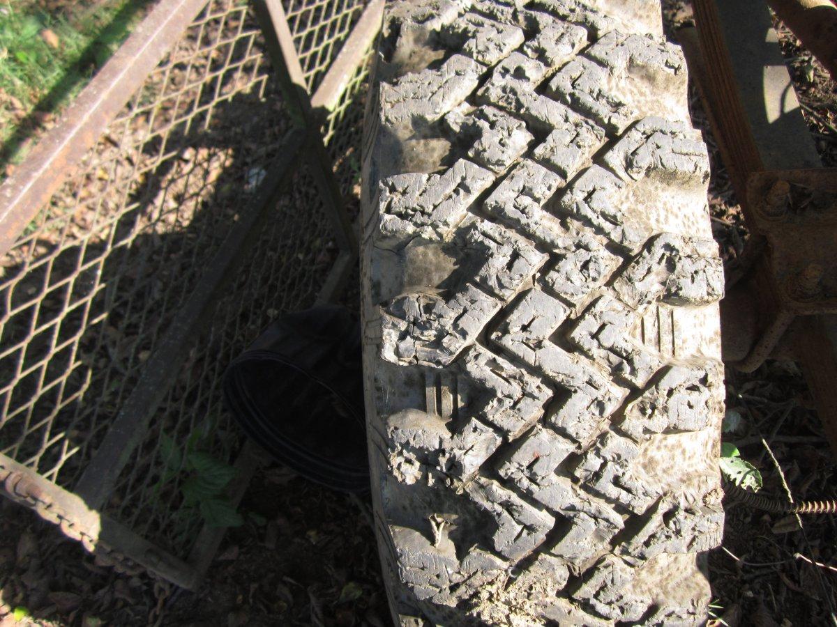 recap tires 011.JPG