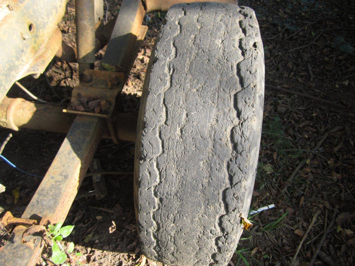 recap tires 012.JPG