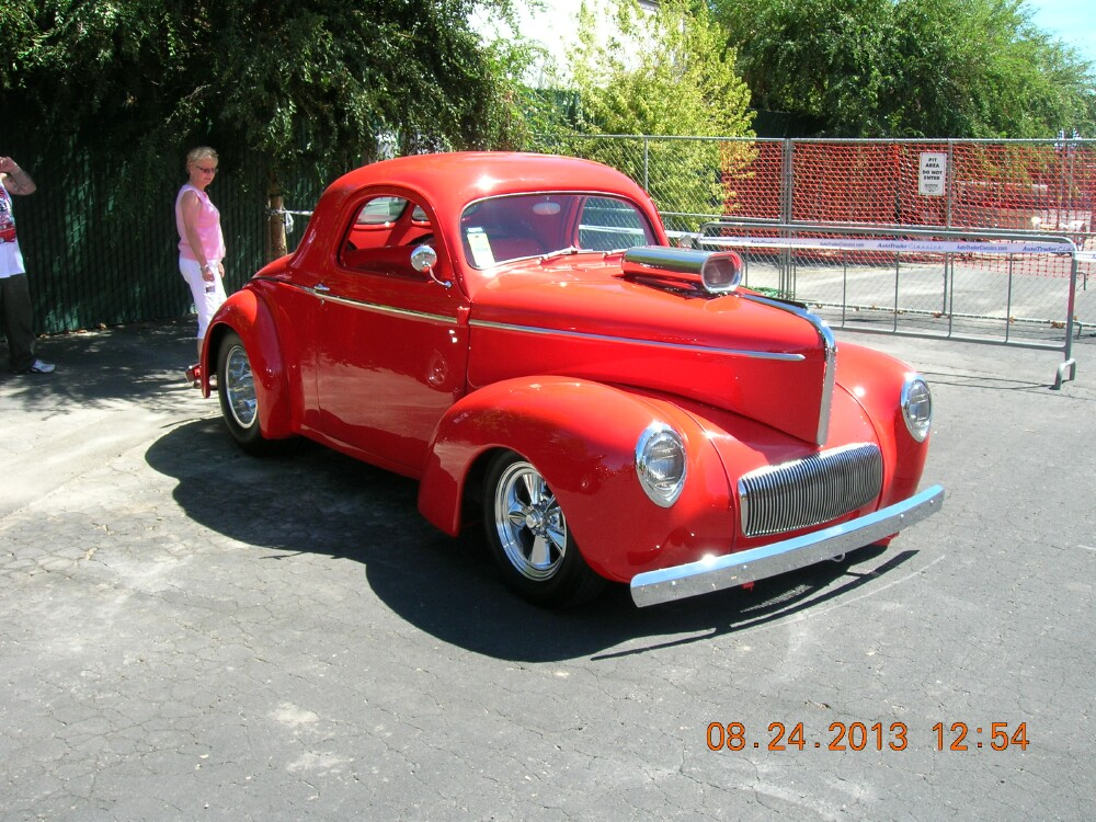Red coupe at PL 2 - Copy.jpg