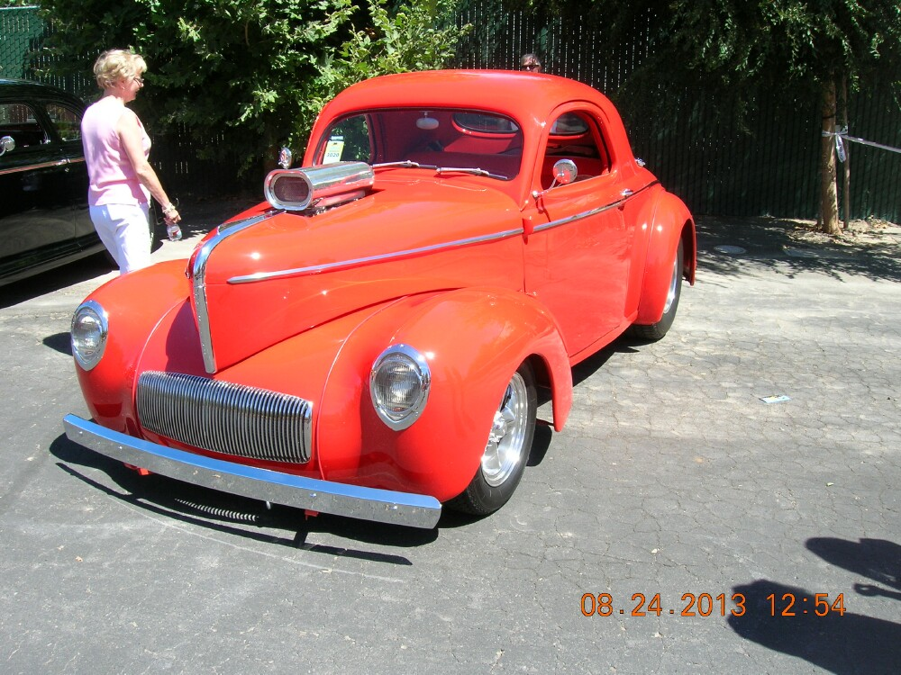 Red coupe at PL.jpg