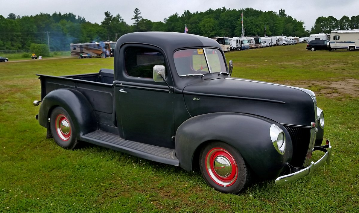 Richie \'s 40 Ford ,NE Dragway 6 3 16.jpg