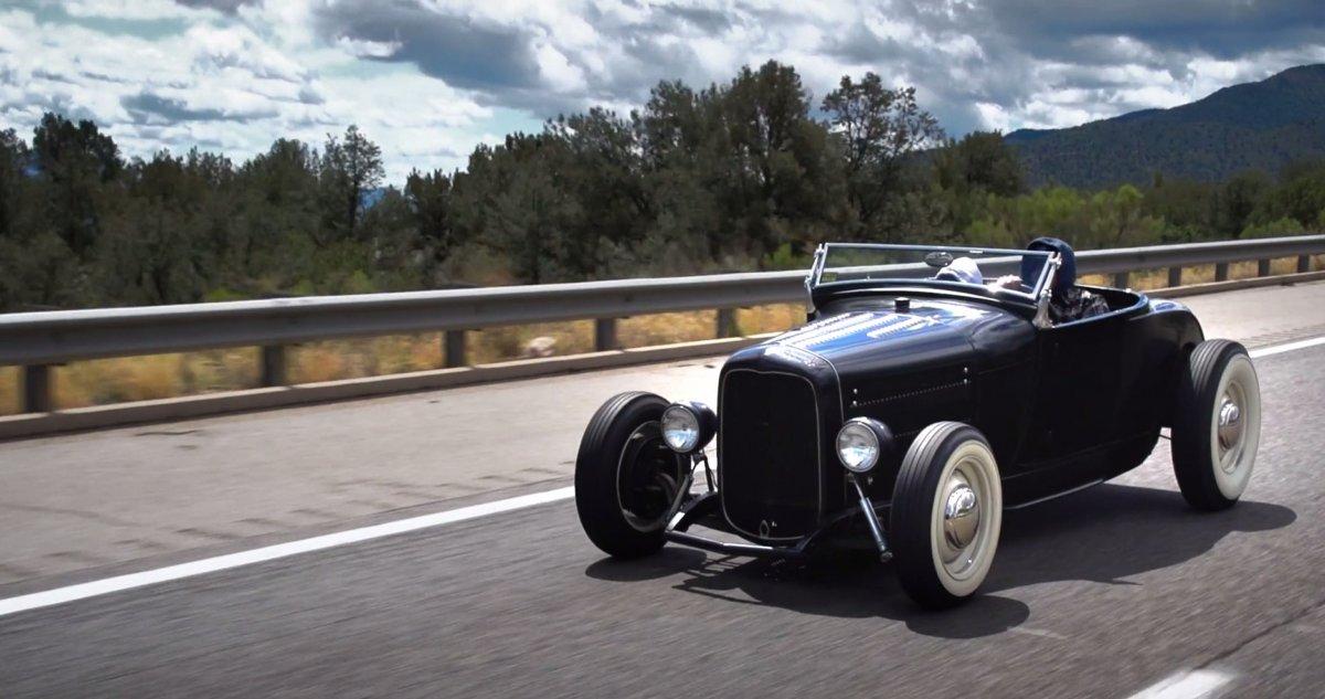 Roadster road2.jpg