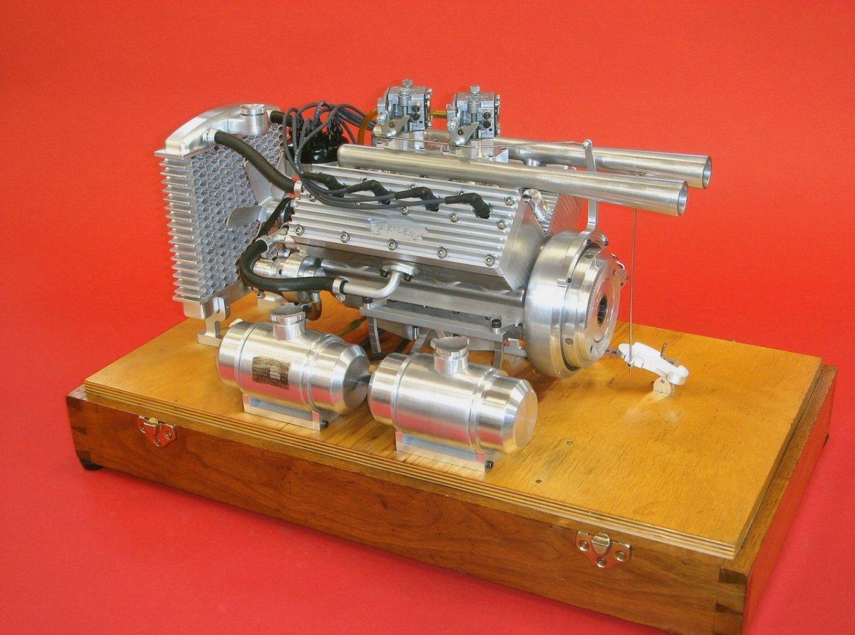 Ron Bement's Challenger Flathead V8 (1).jpg