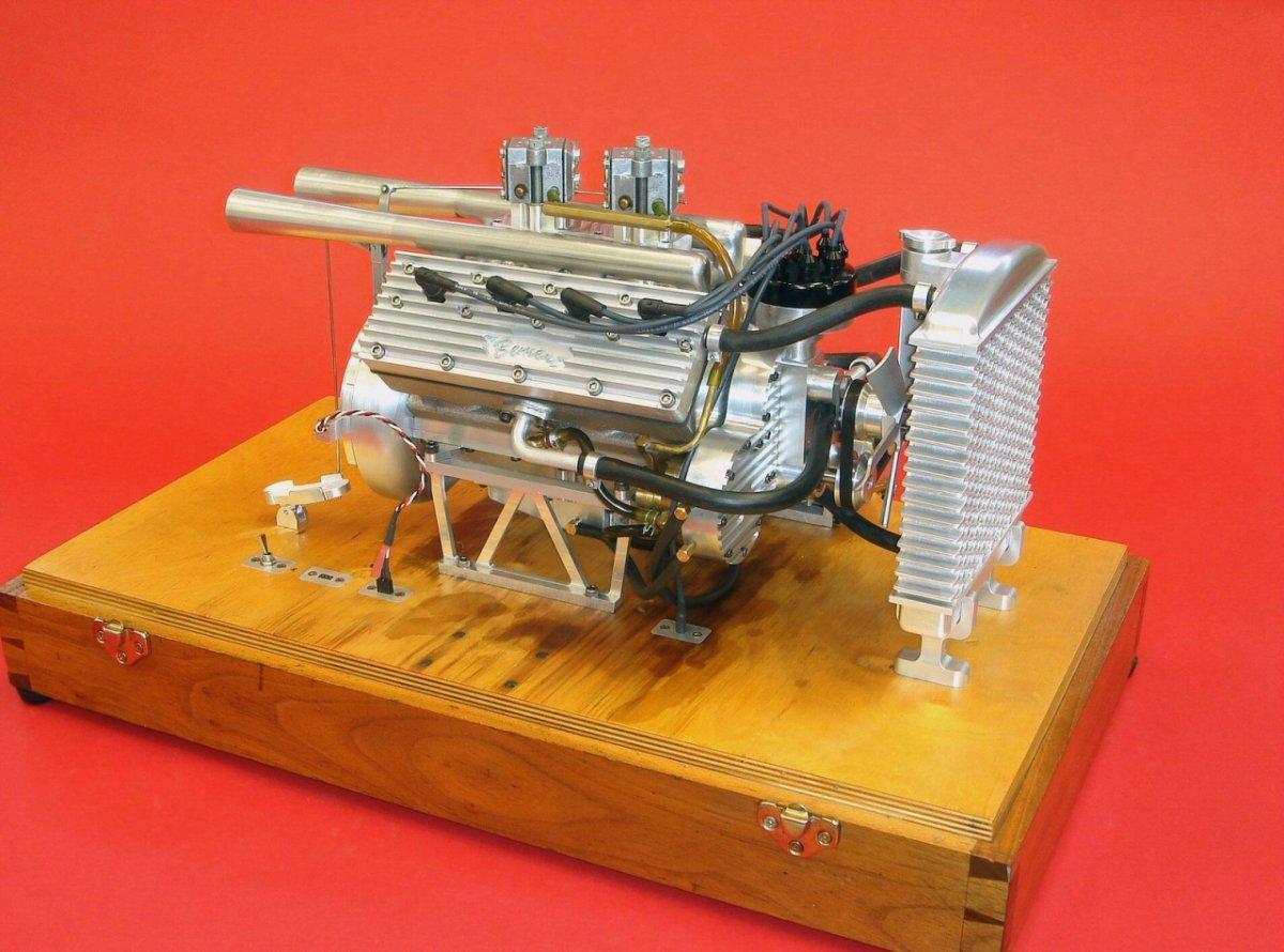 Ron Bement's Challenger Flathead V8 (3).jpg