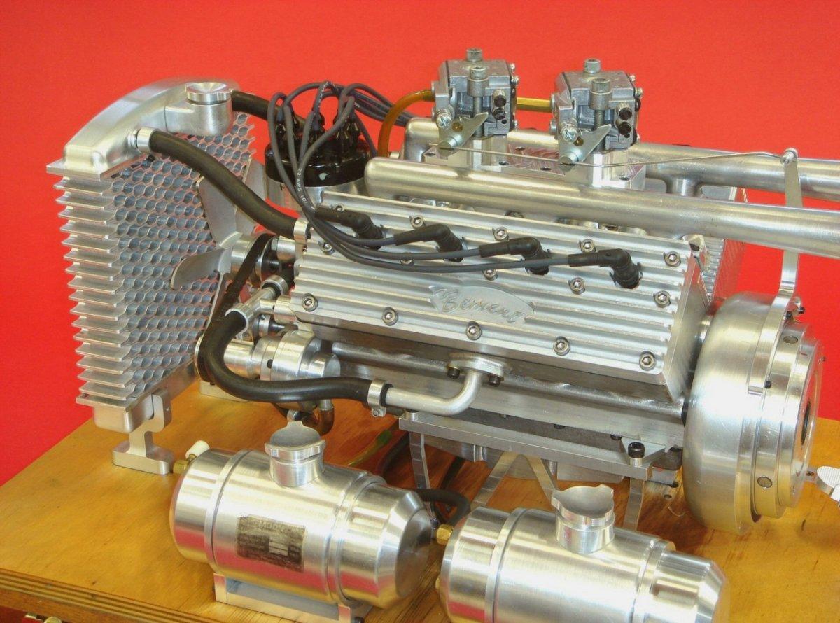 Ron Bement's Challenger Flathead V8 (5).jpg