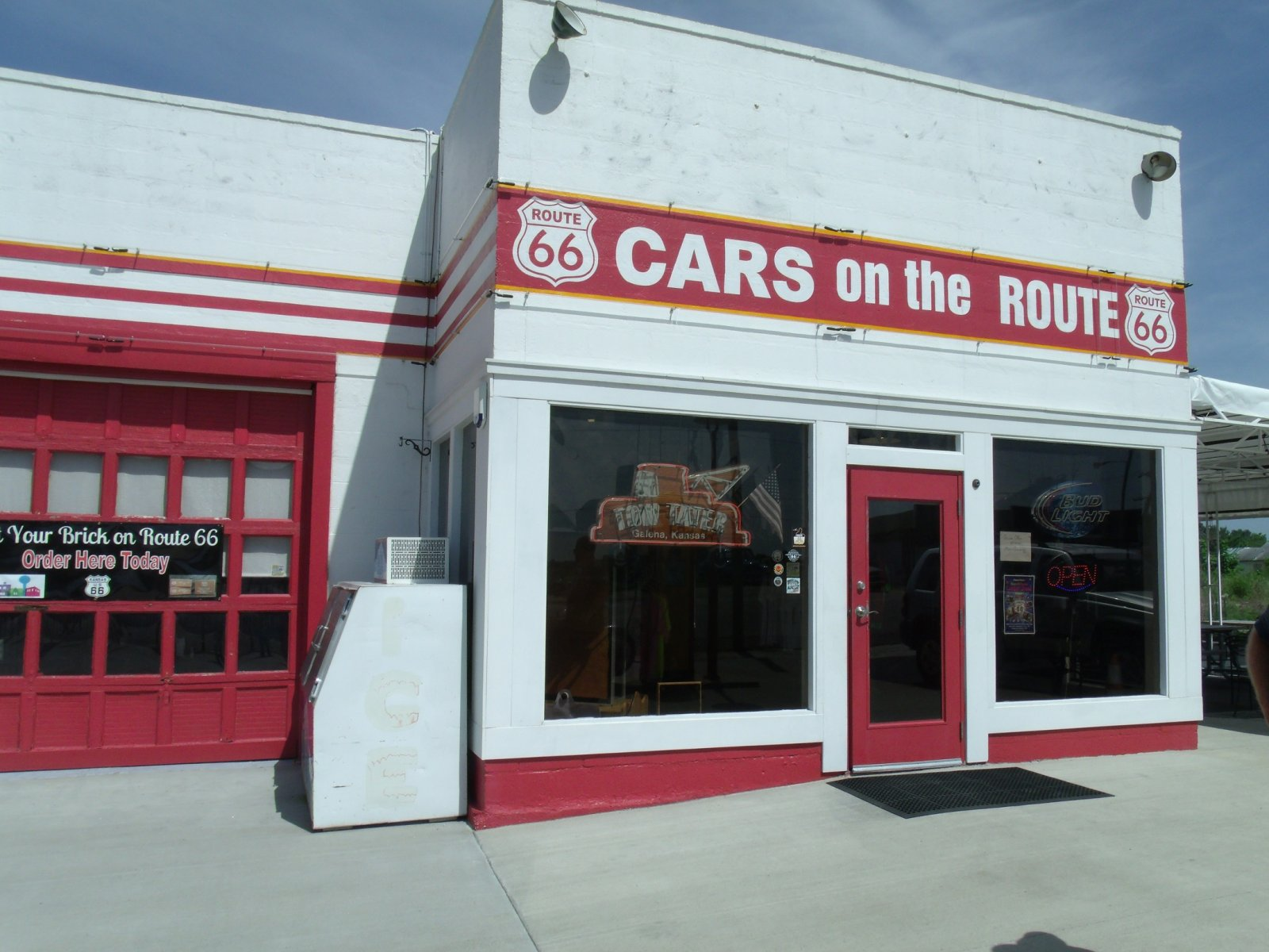 Route 66 day one 174 cars on route.jpg