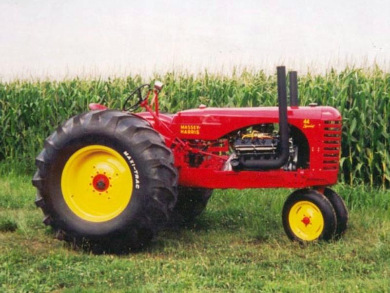 Roy Tallon's HEMI-powered '54 MASSEY HARRIS 44 Special tractor (RESTORED).jpg