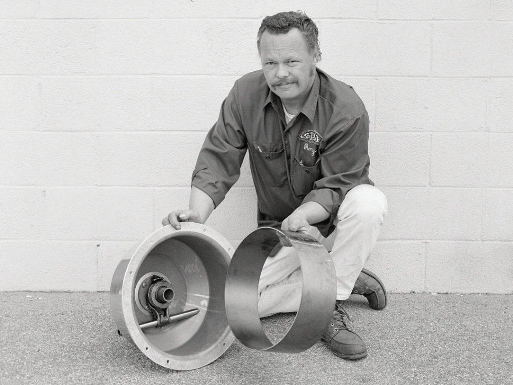 Roy with SPE bellhousing.jpg