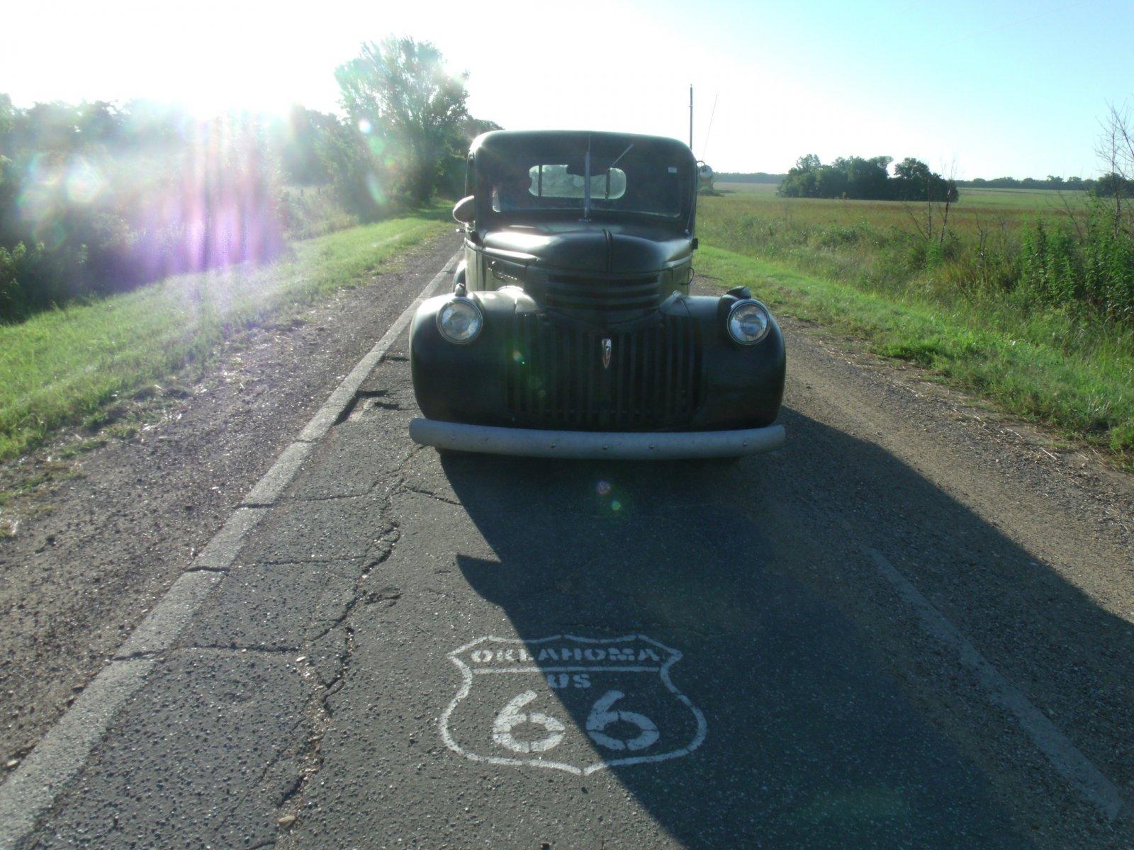rt 66 day 2 025 sidewalk highway 1.jpg
