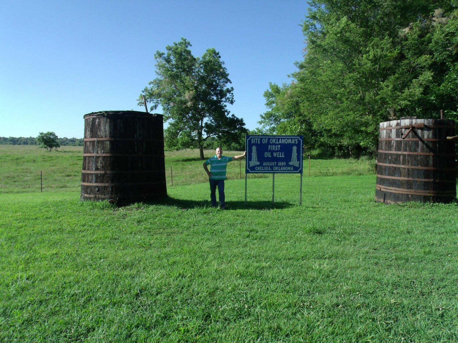 rt 66 day 2 065 oil well.jpg