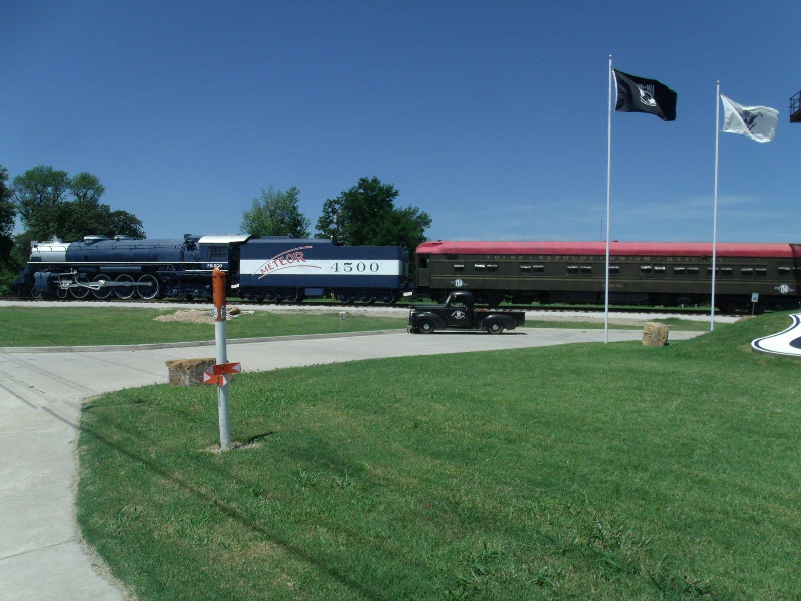 rt 66 day 2 092 tulsa train.jpg