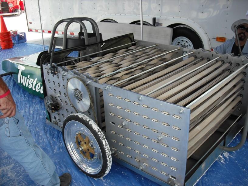 rubberbandcar1.jpg
