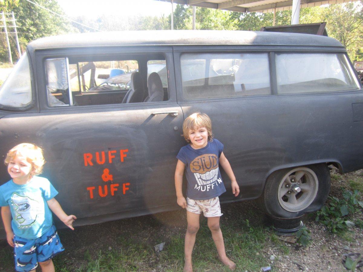 RUFF& TUFF 003.JPG