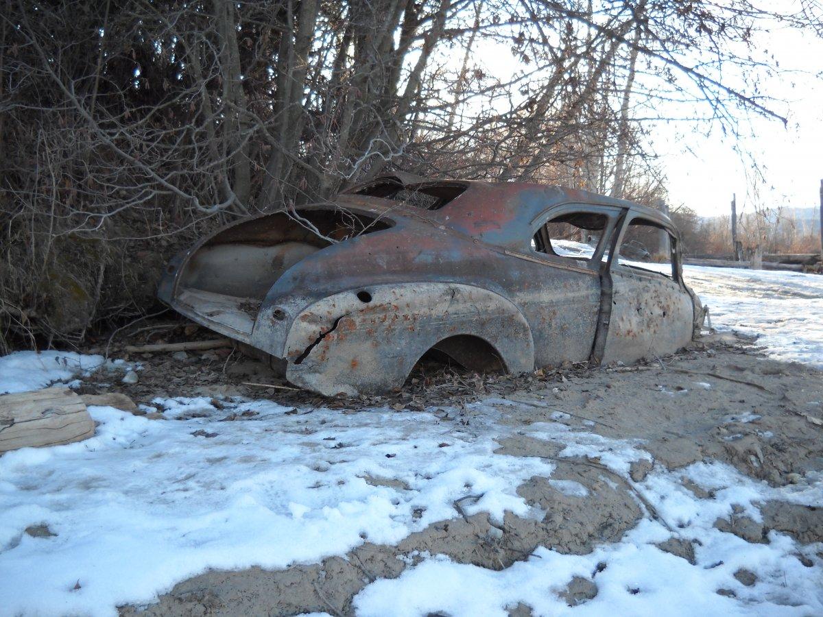 rusty relics 001.jpg