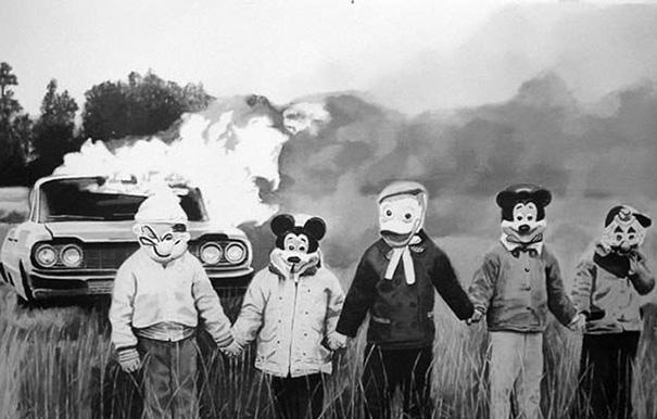 scary-vintage-halloween-creepy-costumes-131-57fcafc049d30__605.jpg