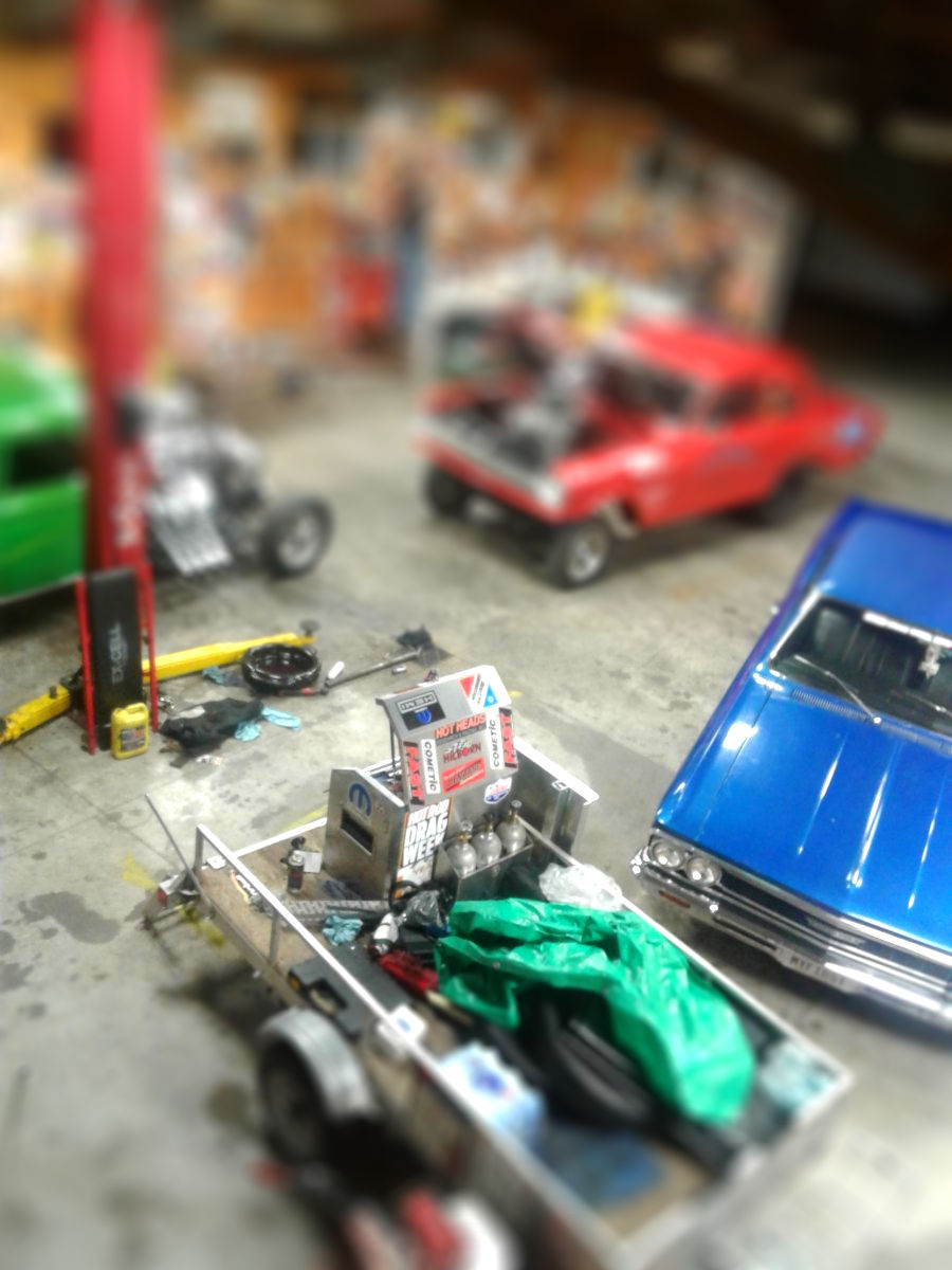screensaver 08 dragweek-tiltshift.jpg